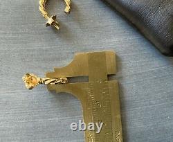 18k YG Roberto Coin Twist Hoop Earrings 5/8 diameter 2.6 Grams Marked & Rubies