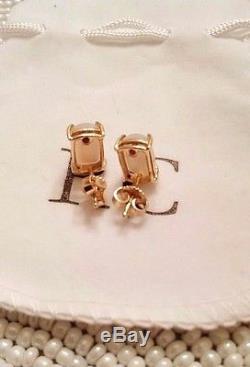 $700 ROBERTO COIN White Quartz MOP Cocktail Earrings, White