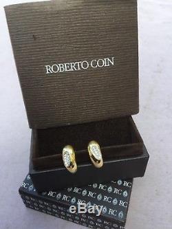 Roberto Coin Capri Plus Hoops Earrings encrusted with diamonds 18YW Hoops D. 33