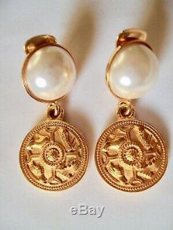 UNIQUE Salvatore Ferragamo 100%Authentic Pearl/Shoe coin Gold Clip-On Earrings